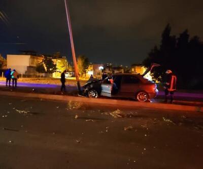 Otomobil, aydınlatma direğine çartı: 1 yaralı