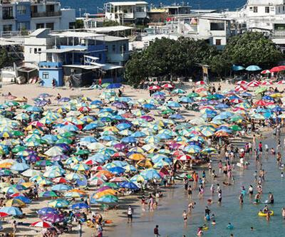 Şaşırtan görüntü! Plajlar doldu taştı