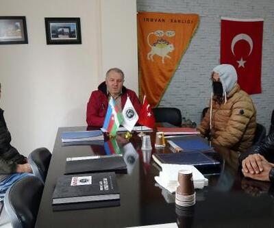 Ülkelerine dönemeyen 3 Azeri gence valilik sahip çıktı