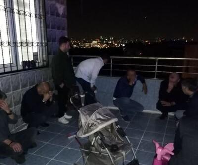 Kumar oynarken basılan 16 kişi çatıya saklandı