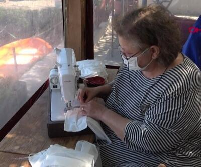 Vakanın olmadığı Bozcaada'da maske üretiyorlar