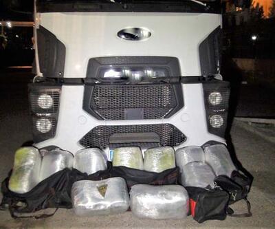 Diyarbakır'da, terör örgütüne operasyonda 327 kilo esrar ele geçirildi