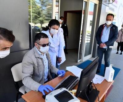 Berber ve kuaförlere koronavirüs testi
