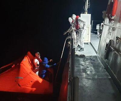 Türk kara sularına itilen 25 sığınmacı kurtarıldı