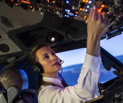 THY'nin tarihi uçuşunda en genç kaptan pilotu Selin Sevimli görev aldı