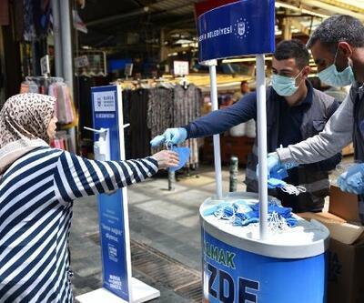 Bursa Büyükşehir Belediyesi, ücretsiz maske dağıttı
