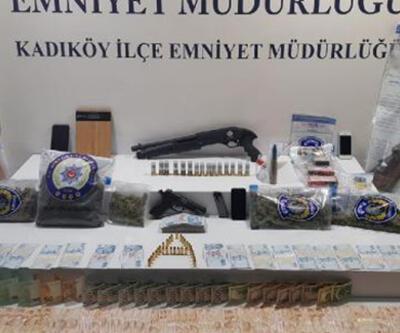 Kadıköy'de silahlı kavgaya karışan şüphelilerin evinden uçaksavar fişeği çıktı
