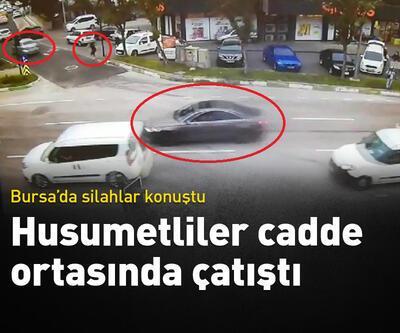 Bursa'da 2 kişinin yaralandığı silahlı çatışma kamerada