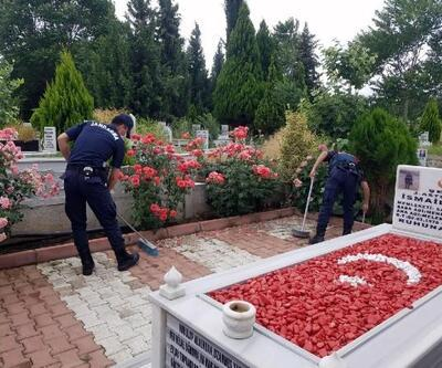 Salihli'de, şehit mezarlarının bakımı gerçekleştirildi