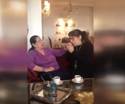 Melek Baykal annesiyle bayramlaştı