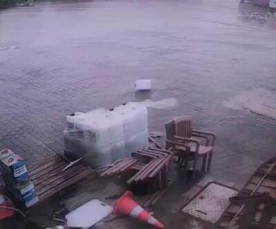 Şiddetli fırtına konteynerı sürükledi