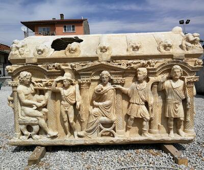 Antik Roma dönemine ait lahitte, Truva Savaşı tasvir ediliyor