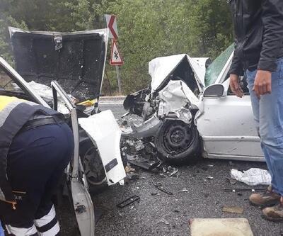 Ankara'da otomobiller çarpıştı: 2 ölü, 3 yaralı