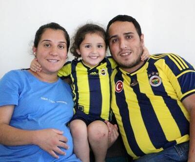 Minik Buğlem'in Fenerbahçe ve Alanyaspor aşkı görenleri şaşırtıyor
