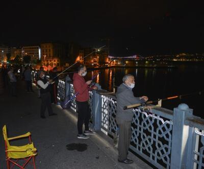 Normalleşme başladı, vatandaşlar gece yarısı balık tutmaya koştu