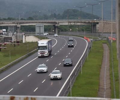 Türkiye'nin geçiş güzergahı Bolu Dağı'nda araç yoğunluğu arttı