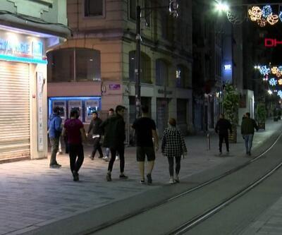 Yürüyüşçüler İstiklal Caddesi'ne akın etti