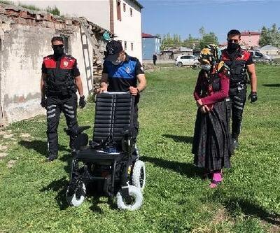Polisler, Filiz'in akülü araba hayalini gerçekleştirdi