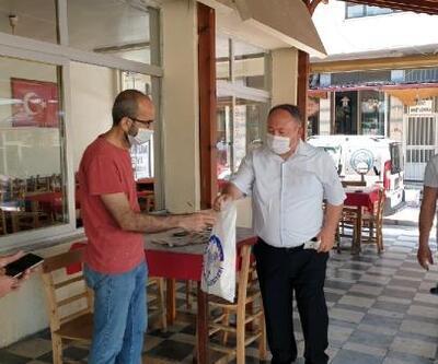 Kadirli'de çay ocaklarının ilk siftahı, çayı ve şekeri belediyeden