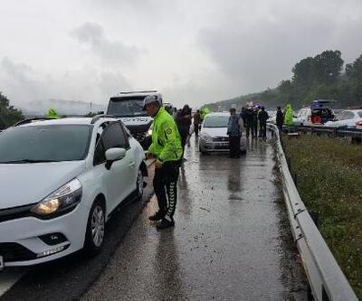 Düzce'de TEM'de 2 ayrı zincirleme kaza: 25 araç hasar gördü