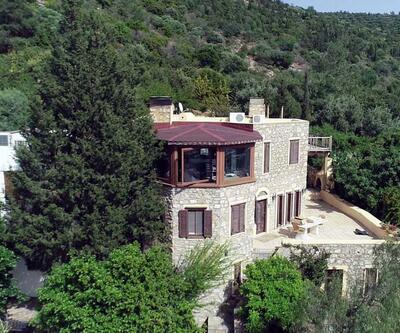 Can Dündar'ın villasında, kaçak bölümlerin yıkımına başlandı
