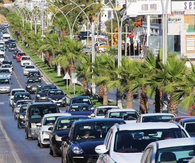700 bin tatilci akın akın geliyor! Nüfus 4'e katlandı