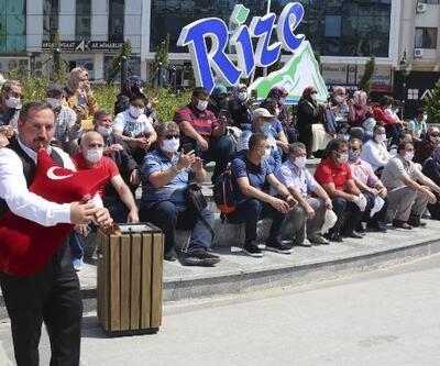 Rize'ye gelen ilk turist kafilesine tulumlu karşılama