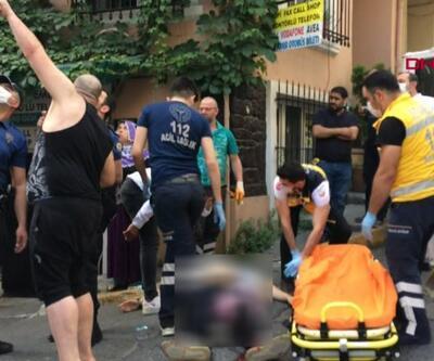 Beyoğlu'nda bıçaklı kavga   Video