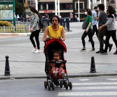Taksim Meydanı ve İstiklal Caddesi'nde maske denetimi