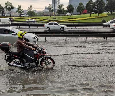 Son dakika: İstanbul'da yollar göle döndü | Video