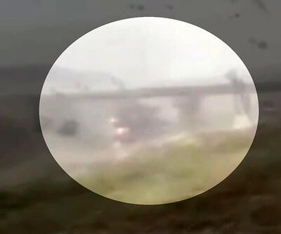 Son dakika: Çatalca'daki fırtına TIR'ı böyle devirdi | Video