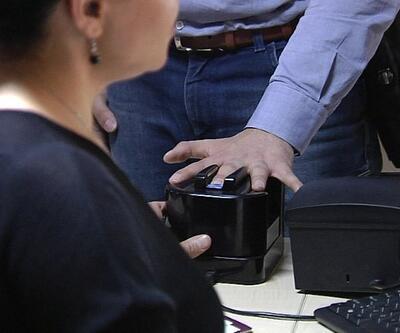 Son Dakika: Kimlik erişim cihazı ile fotokopi derdi sona eriyor | Video