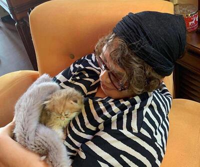 'Namussuz kedi! Sezen'in koynunda iki saat uyudu'