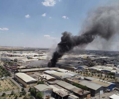 Konya'da, geri dönüşüm deposunda yangın