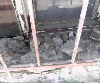 Son dakika... Gaziosmanpaşa'da bir ailenin evini taşladılar! | Video