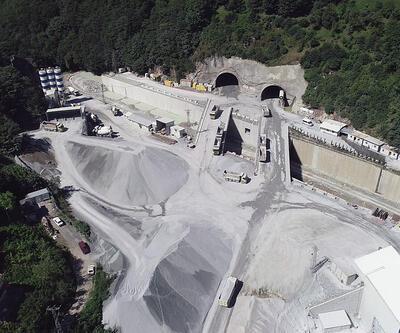 Son Dakika: Türkiye'nin en uzun çift tüplü karayolu tünelinin yüzde 68'i tamamlandı | Video