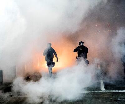 ABD'nin Portland kenti karıştı: Polis göstericilere müdahale ediyor