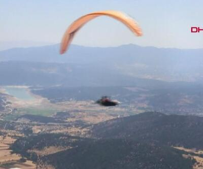 Denizli'den Eskişehir'e paraşütle uçtu | Video