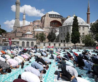 Ayasofya Camii'ne yoğun ilgi devam ediyor
