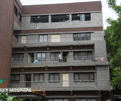 Hindistan'da koronavirüs hastanesinde yangın: 8 ölü