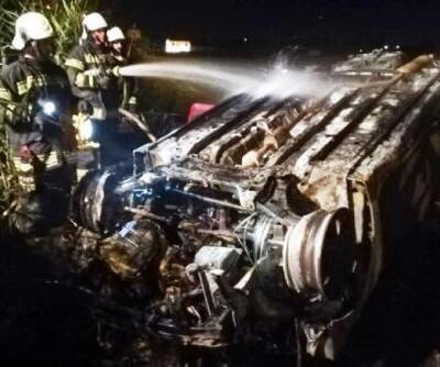 Son dakika... Tarlaya uçan otomobil alev aldı sürücü öldü