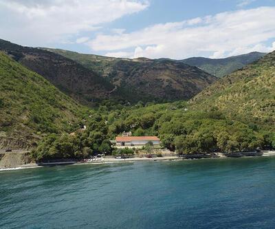 Doğal güzellikleri, kamp alanları ve temiz deniziyle sakinlik arayanların tercihi