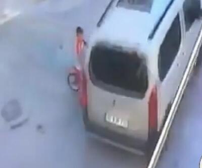 Bisikletle çarptığı aracın altında kalmaktan son anda kurtuldu | Video