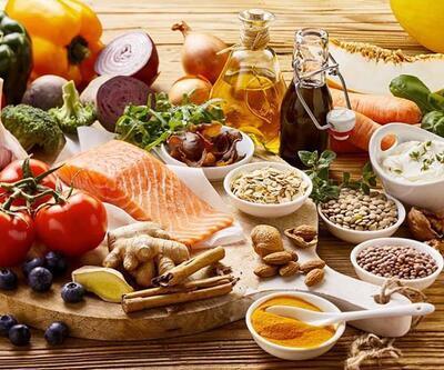 Mevsim geçişlerinde koronavirüse karşı bağışıklığı güçlendiren besinler!