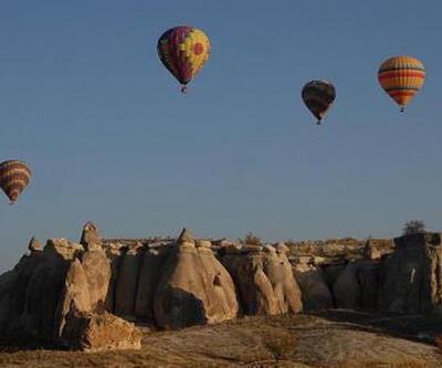 Kapadokya'da balon uçuşları, olumsuz hava şartları nedeniyle ertelendi