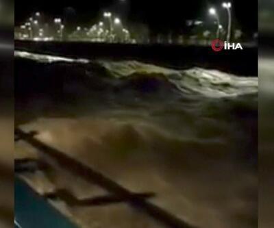 Rize'de sağanak sel getirdi | Video