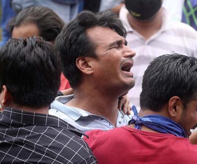 Hindistan'da çöken 5 katlı binanın enkazından 60 kişi kurtarıldı