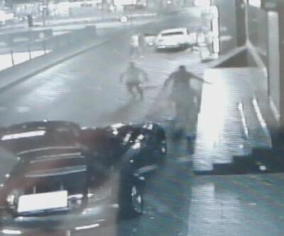 Son dakika... Çekmeköy'de 2 kişinin yaralandığı silahlı kavga kamerada | Video