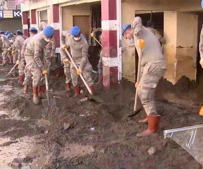 Son Dakika: Jandarma Giresun'da yaraları sarıyor | Video