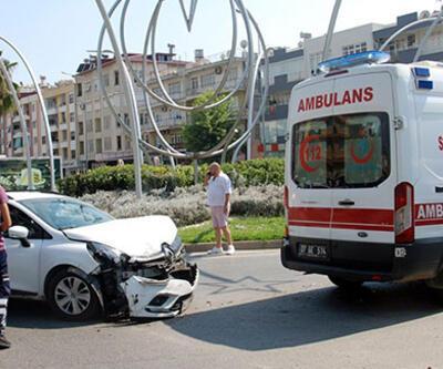 Yaralı sürücüyü taşıyan ambulans kaza yaptı